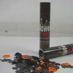 Halloween_party_poppers_02
